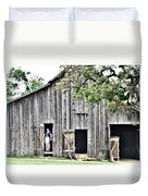 Old Grey Barn With Vistors Duvet Cover