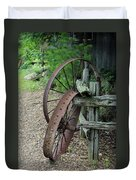 Old Rusty Wagon Wheels Duvet Cover
