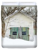 Old Wooden Garage In The Snow Woodstock Vermont Duvet Cover