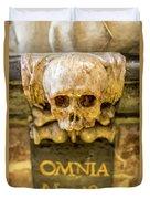 Omnia Mors Aequat Duvet Cover