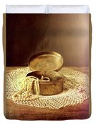 Open Jewelry Box With Pearls Duvet Cover
