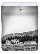 Paragliding Over The Ruins Of Pamukkale Duvet Cover