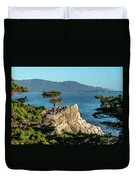 Pebble Beach Iconic Tree With Sun Light At Dusk Duvet Cover