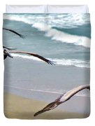 Pelican Fly-by Duvet Cover