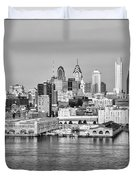 Philadelphia From The Waterfront In Black And White Duvet Cover