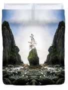 Point Of The Arches Reflection Duvet Cover
