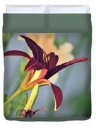 Profile Of A Day Lily Duvet Cover