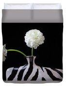 Ranunculus In Black And Whie Vase Duvet Cover