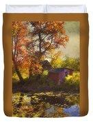 Red Barn In Autumn Duvet Cover