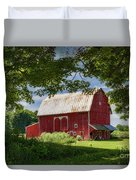 Red Barn With White Arched Door Trim Duvet Cover