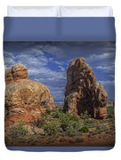Red Rock Formations On A Desert Plateau In Utah Duvet Cover