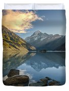 Reflection Of Aoraki Duvet Cover