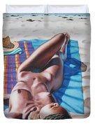 Robin At The Beach Duvet Cover