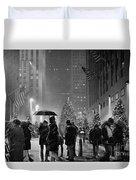 Rockefeller Center Christmas Tree Black And White Duvet Cover