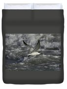 Sandwhich Tern Flies Over Stormy Waves Duvet Cover