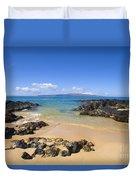 Secret Beach Of Kahoolawe And Molokini Duvet Cover