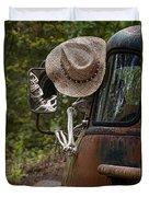 Skeleton Crew - Skeleton Driving A Vintage Truck Duvet Cover