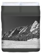 Snow Dusted Flatirons Boulder Co Panorama Bw Duvet Cover