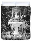 Spanish Moss Fountain With Bromeliads - Black And White Duvet Cover