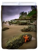 Starfish On The Rocks Duvet Cover