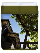 Summer Courtyard - Decorated Eaves And Grape Arbors In The Sunshine Duvet Cover