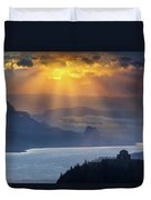 Sun Rays Over Columbia River Gorge During Sunrise Duvet Cover