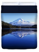 Trillium Lake With Reflection Of Mount Duvet Cover