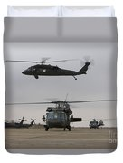 Uh-60 Black Hawks Taxis Duvet Cover