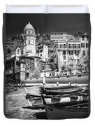 Vernazza Boats And Church Cinque Terre Italy Bw Duvet Cover