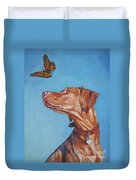 Vizsla And The Butterfly Duvet Cover