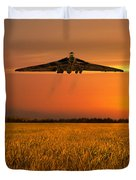 Vulcan Farewell Fly Past Duvet Cover