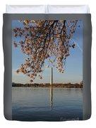 Washington Monument With Cherry Blossoms Duvet Cover by Megan Cohen