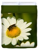 Wasp On Daisy Duvet Cover