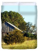 Weathered Barn In Fall Duvet Cover