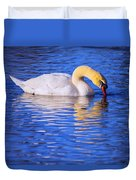 White Swan Drinking Water In A Pond Duvet Cover