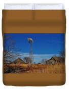 Windmill At An Old Farm In Kansas Duvet Cover