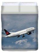 Air Canada Boeing 777-233 Lr Duvet Cover