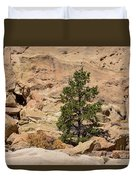 Amazing Life On The Sandstone Cliffs Duvet Cover