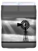 Bw Windmill And Crepuscular Rays -01 Duvet Cover by Rob Graham