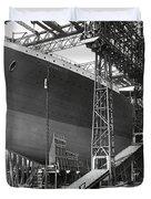 Titanic In Belfast Dry Dock 1911 Duvet Cover