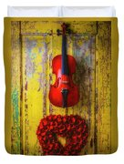 Violin And Heart Wreath Duvet Cover