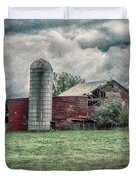 Weathered Worn And Standing Strong Duvet Cover by Judy Hall-Folde