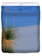Yucca Plant In Sand Dunes In White Sands National Monument, New Mexico - Newm500 00112 Duvet Cover