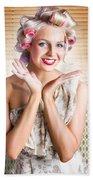 Retro Woman At Beauty Salon Getting New Hair Style Bath Towel