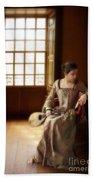 Lady In 16th Century Clothing With A Mandolin Bath Towel