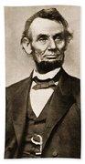 Portrait Of Abraham Lincoln Bath Towel