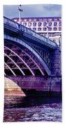 A Bridge In London Bath Towel