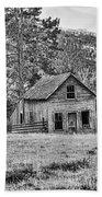 Black And White Old Merritt Farmhouse Bath Towel