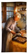 Chef - Kitchen - Coming Home For The Holidays Bath Towel