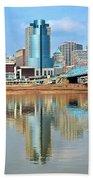 Cincinnati Skyline Reflects Bath Towel